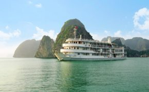 the-au-co-overview-halong-bay